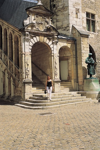 Cour du musée des Beaux-Arts à Dijon